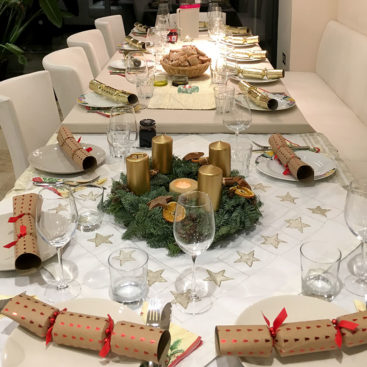 Christmas dinner 2018 at Christian Speck's home . . . a set table awaits the guests